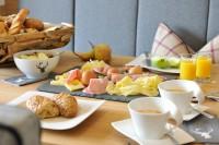 Köstliches aus dem Frühstückskisterl im Sunnsait Appartement im Salzburger Land