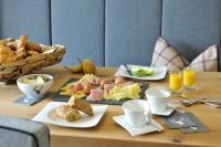 Frühstück nach Herzenslust im Appartement in Maria Alm